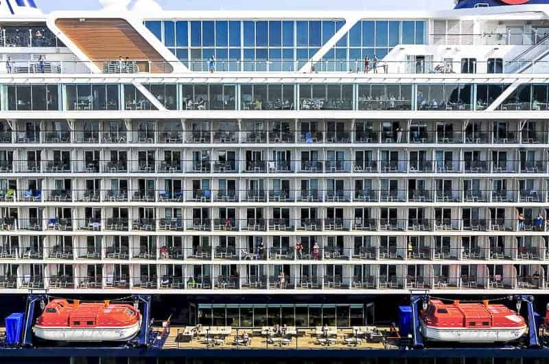 Cruse Ship Cabins with Balcony